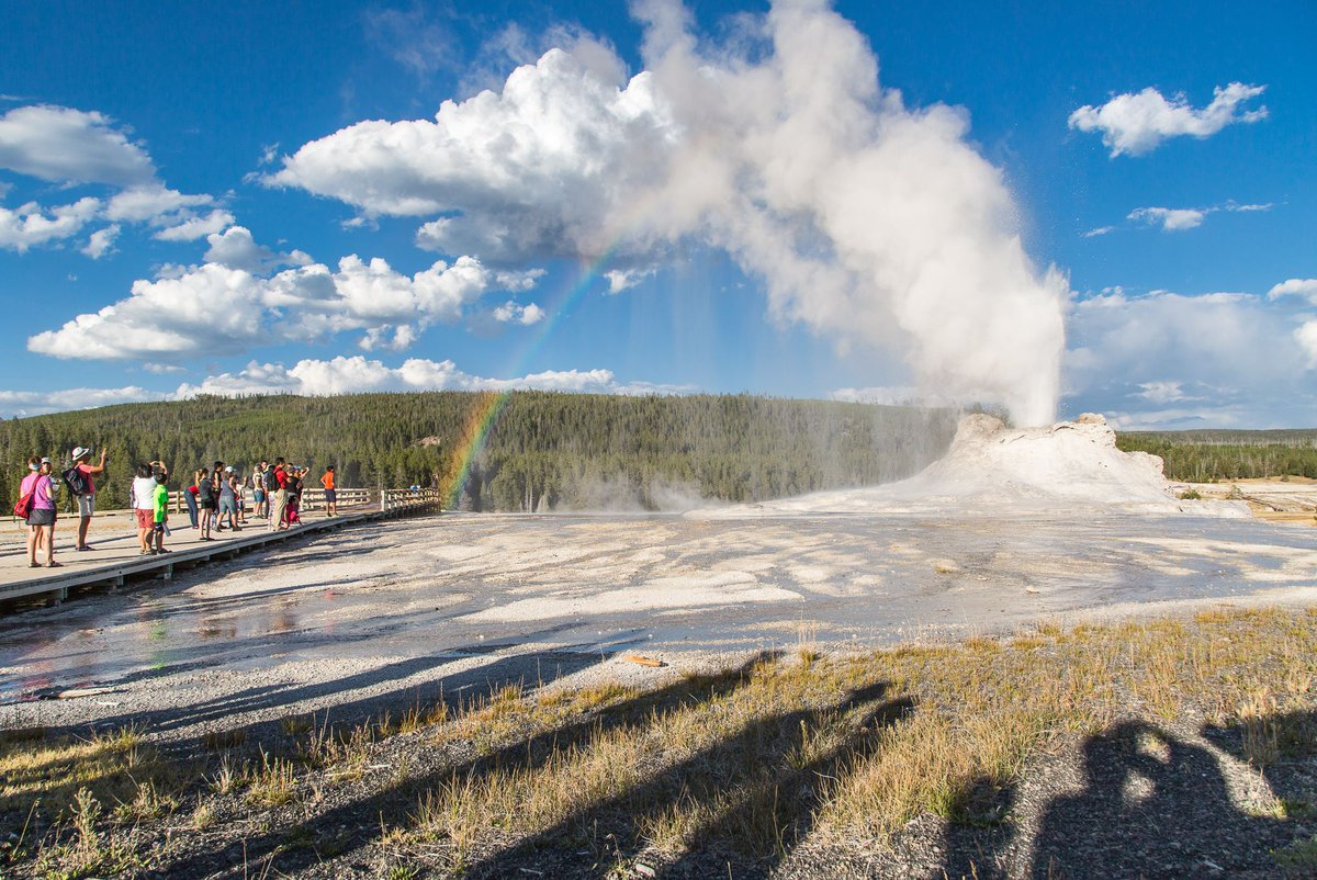 "#onthisday in 1872, Ulysses S. Grant established Yellowstone ""For the benefit and enjoyment of the people."" https://t.co/ZPDy4XbgCU"