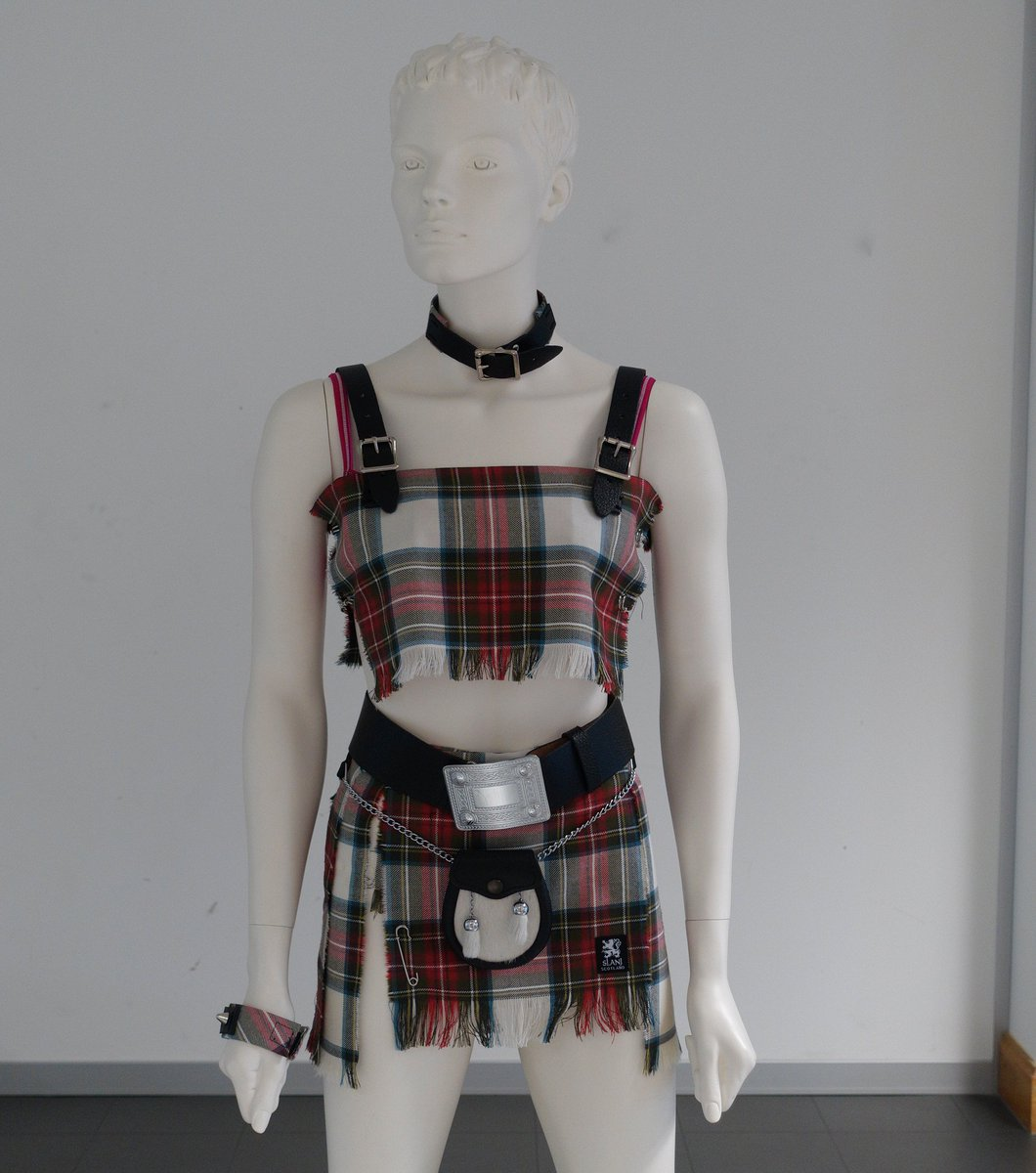 Bid now - bra signed by @OfficialRollers & exclusively created by @slanjkilts #EdFashionWeek https://t.co/sfhCP4fVPV https://t.co/soUvgOgjgE