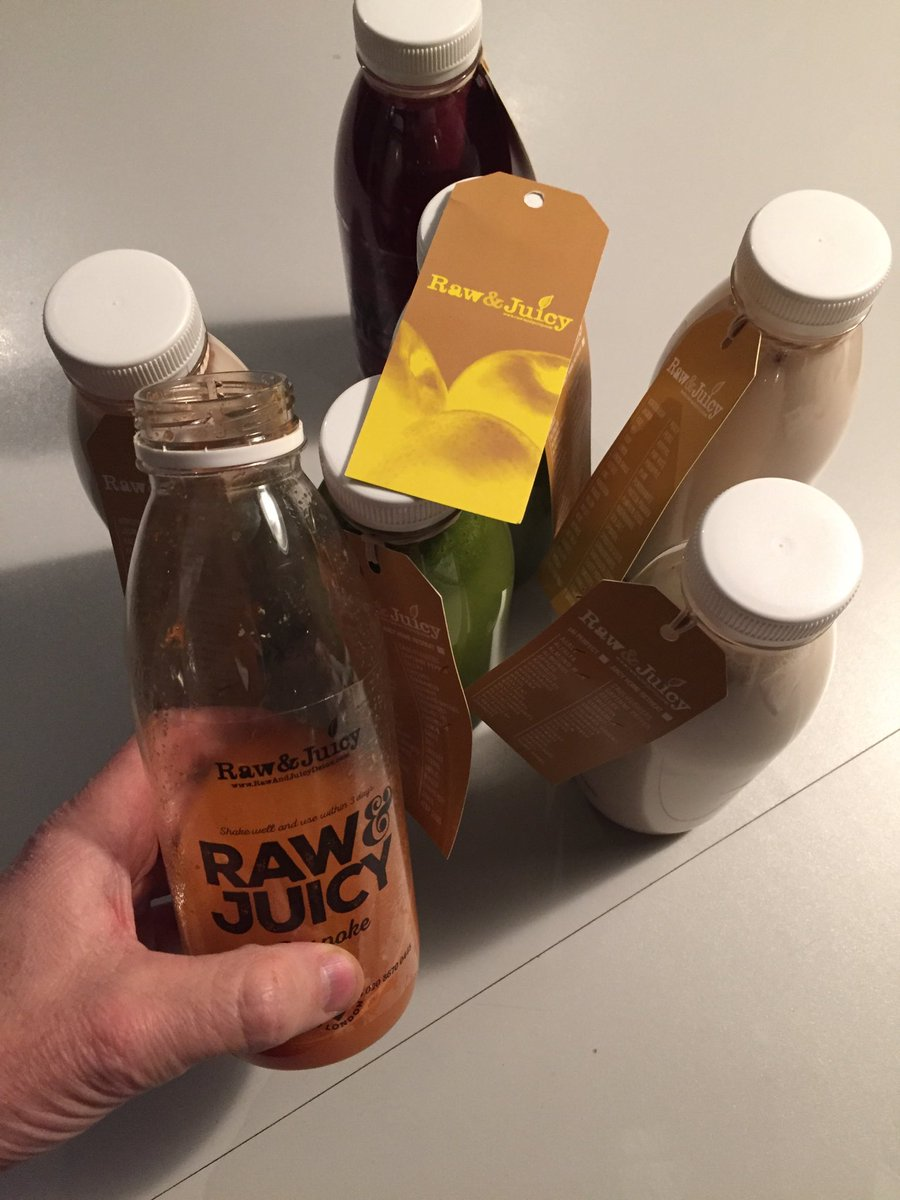 Loving my juices from @rawandjuicy ! https://t.co/huuT9HTu0j