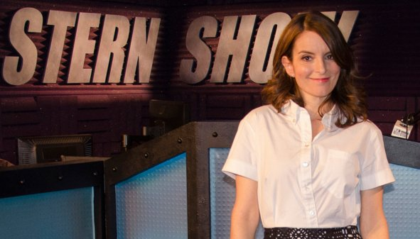Tina Fey talks Leo's sex life & fangirling over Caitlyn Jenner in Howard Stern interview: