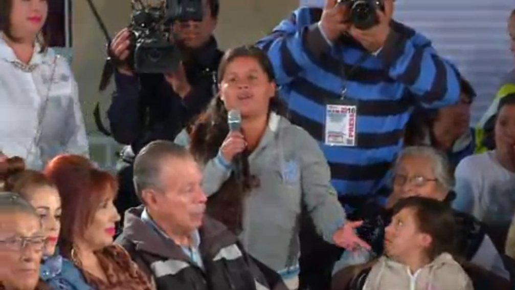 #ENVIVO Comienza el diálogo interactivo con las vecinas de #Aguascalientes #EllasSaben https://t.co/0SVYYe1oi0 https://t.co/sOYkFR2oE1