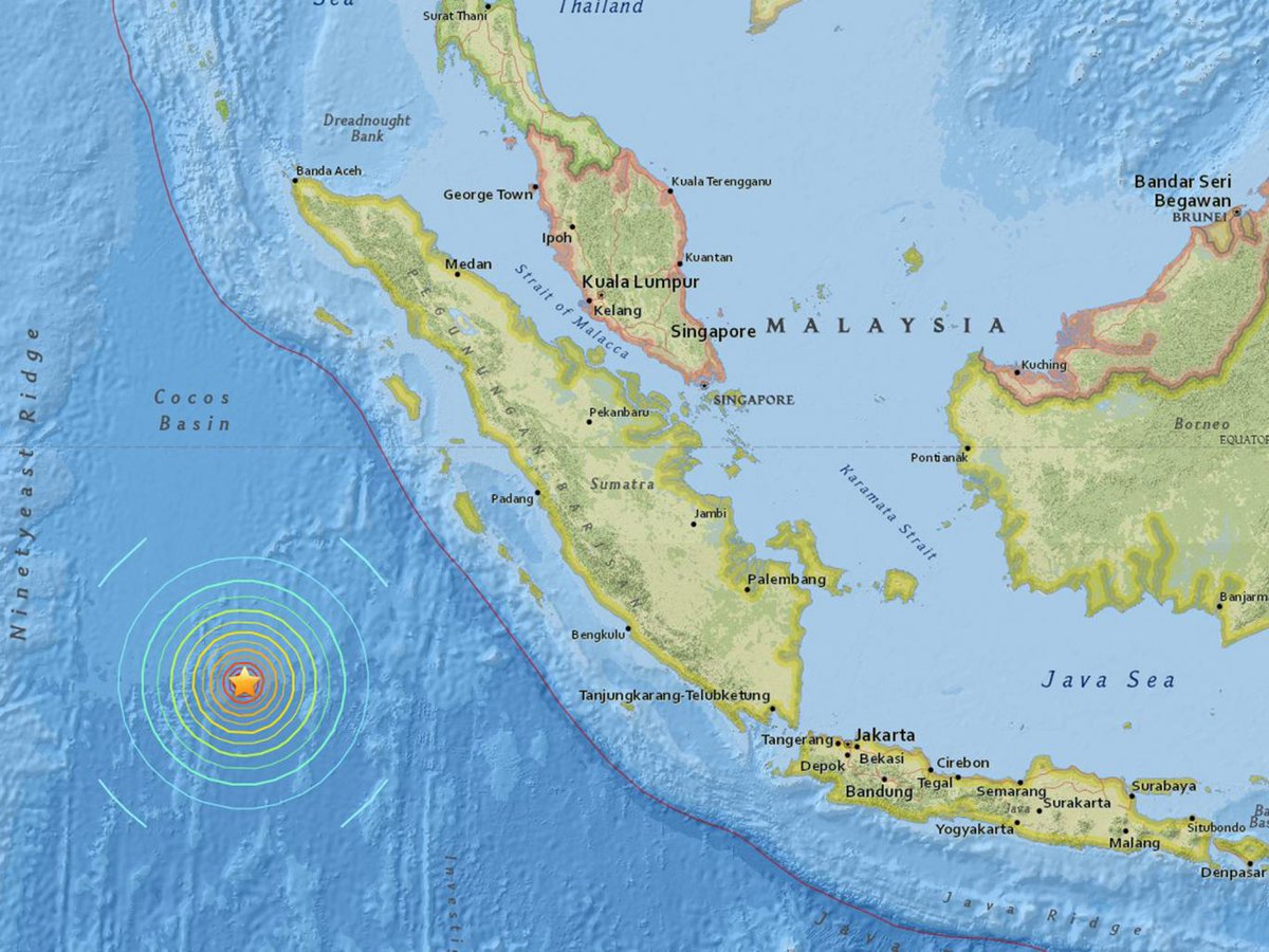 Magnitude 7.9 #earthquake reported off the coast of Sumatra. Tsunami warnings issued https://t.co/iO60I9mPsD https://t.co/IrOJLUmhm2