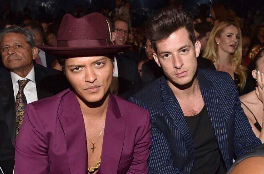 They will judge you if you don't RT TO VOTE #iHeartAwards #BestCollab #UptownFunk @MarkRonson ft @Brunomars https://t.co/8awfozz1rD