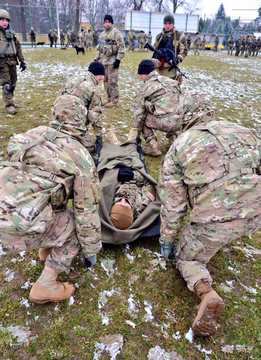 .@USArmy #Soldiers teach medical aid to #UkrainianArmy as part of #JMTGU https://t.co/L72qJ9IccV #StrongEurope https://t.co/b9k1VmHgtn