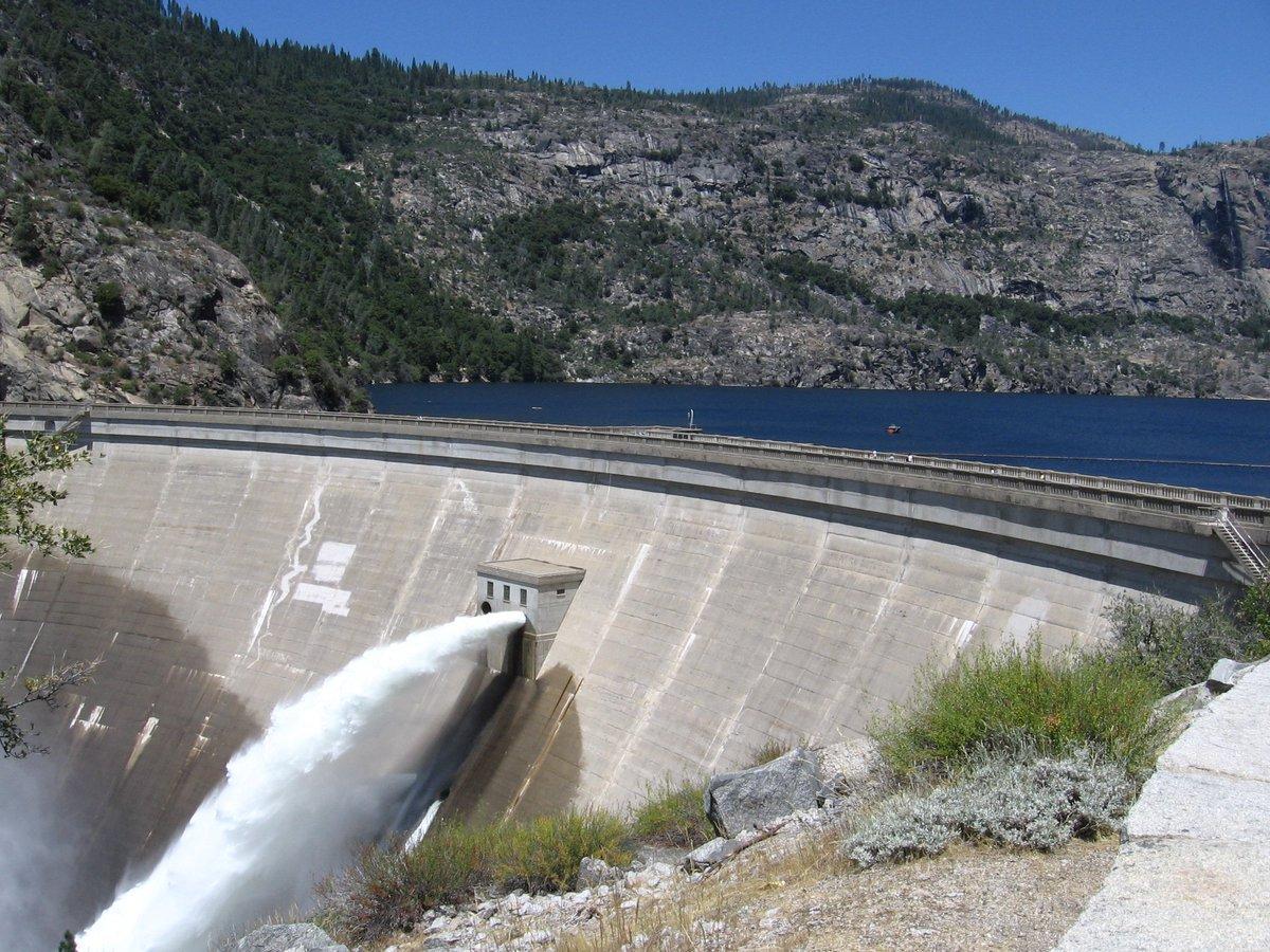 RT @TuolumneVoters: #MySiblingIsWeird @HetchHetchy Valley is submerged. Now that's weird! ~ Yosemite Valley @jimmyfallon @FallonTonight htt…