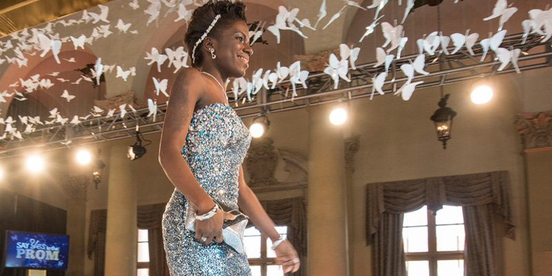 .@TLC's Say Yes to the Prom is returning—and YOU could win the ultimate prom makeover! ✨