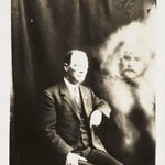 Creepy 'ghost' photos were basically 1920s Photoshop. https://t.co/QoVHZGJHjM https://t.co/hcDikVQAb3