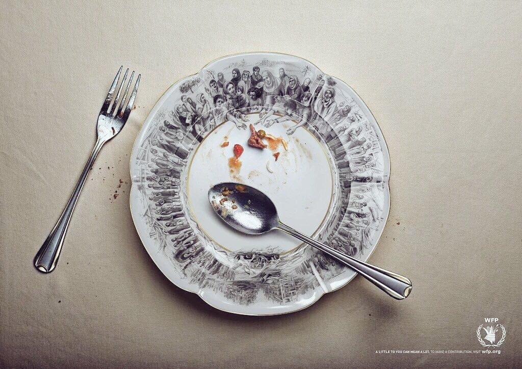 القليل بالنسبة لك يعني الكثير بالنسبة لغيرك فلاترمي الطعام #لاتسرف         كبر الصورة لتتضح https://t.co/jQHVOTdLw1