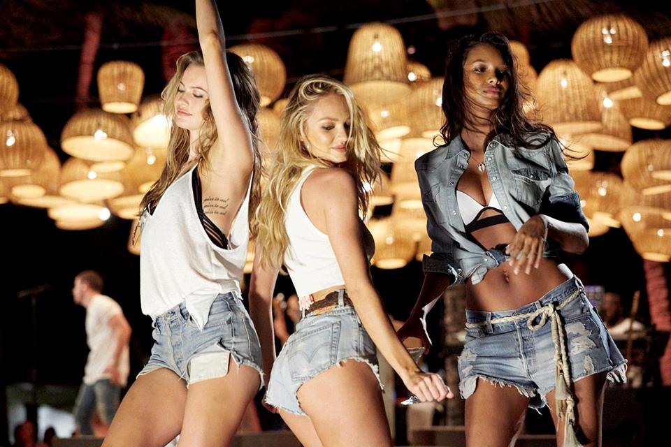 The Angels are getting down & you can totally join them—March 9 on @CBS! #VSSwimSpecial https://t.co/oBACMHAN4B