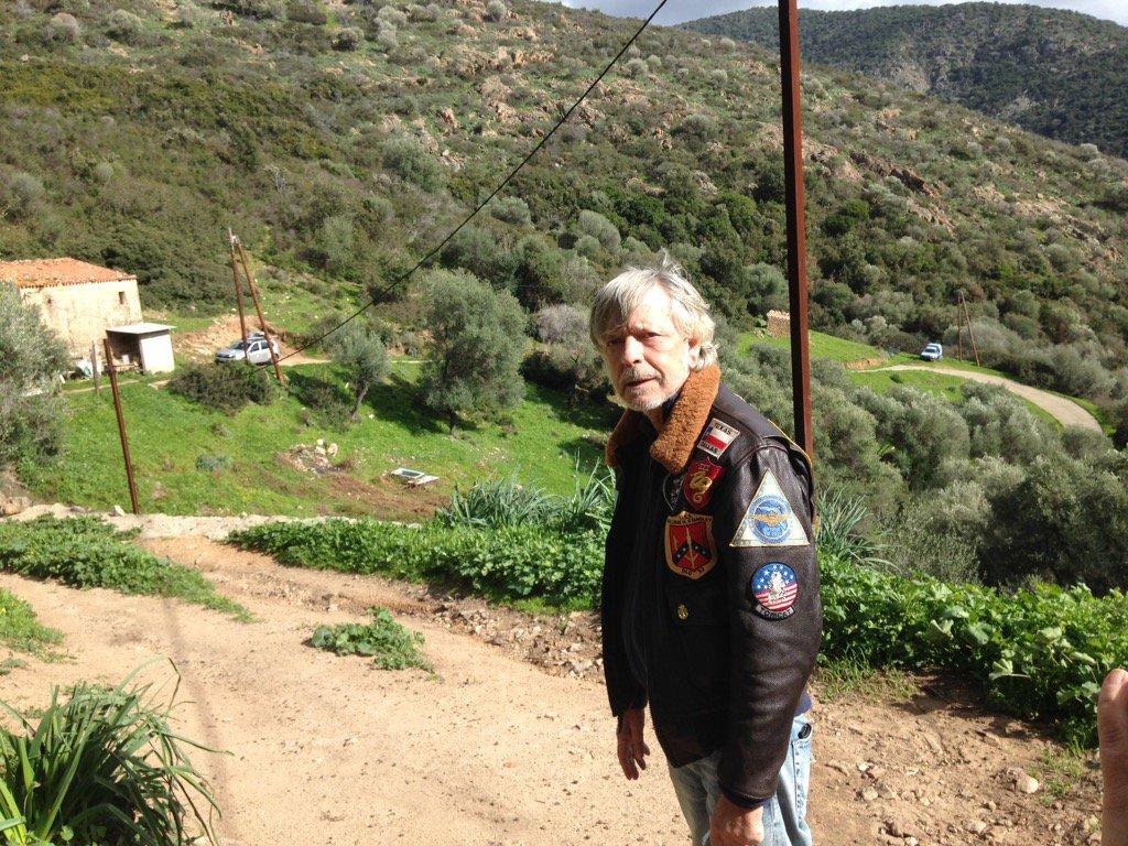 Corse renaud veut acheter une maison carg se et crire for Acheter maison jamaique