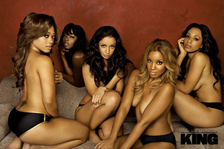 #TBT I miss KING magazine, look at all theses goddesses #HeyBuffy https://t.co/CXeyQROgNg