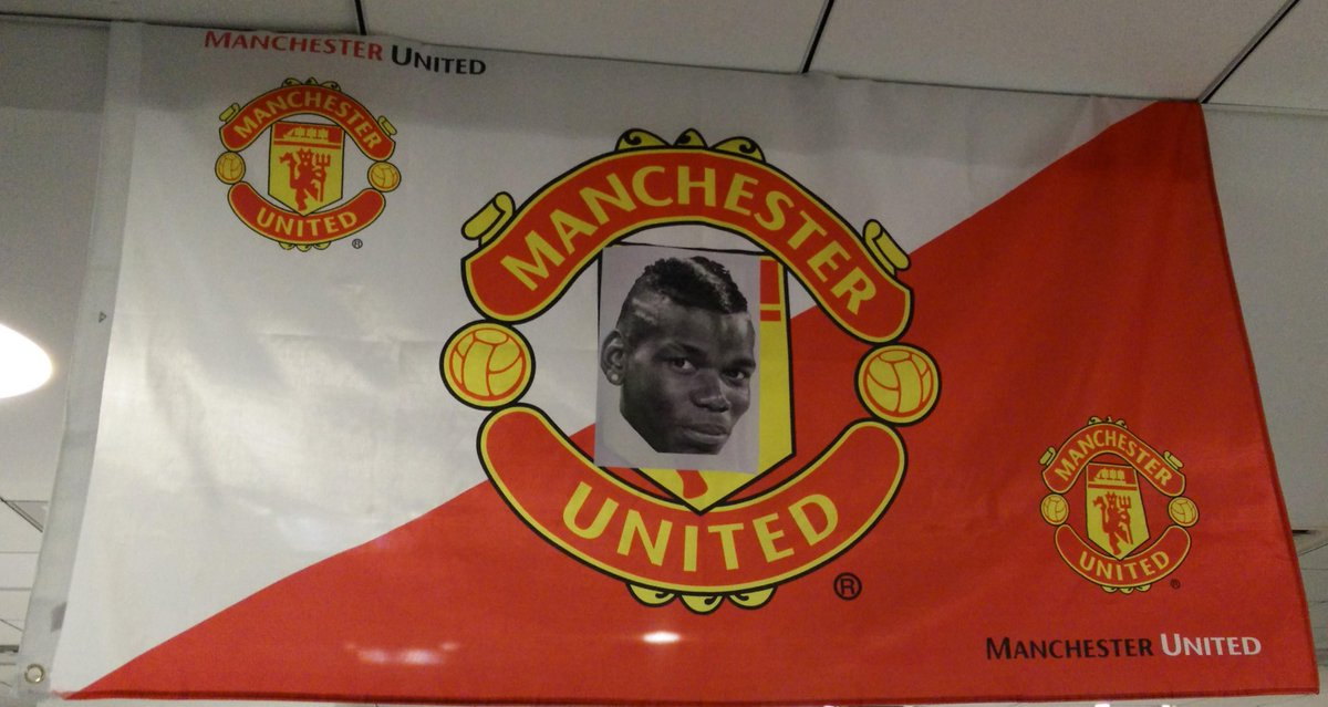 #tbt to that time when I trolled my co-worker who's a #ManUtd fan with an MU flag he put up in the office. :D https://t.co/3G5P0txiDj