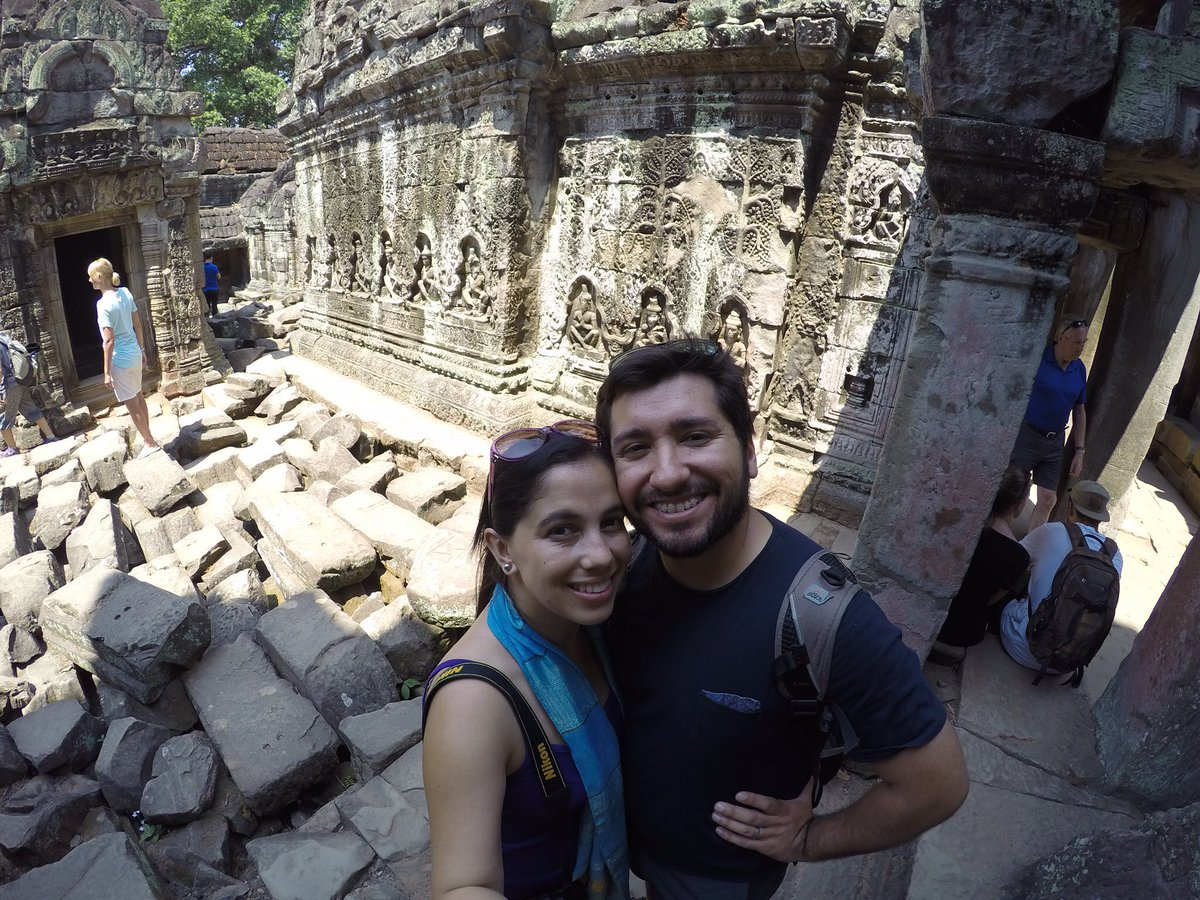 Found GoPro of this couple in #PreahKhan #SiemReap #Cambodia if someone knows them pls contact me #AngkorWat RT pls https://t.co/yu2l97Venf
