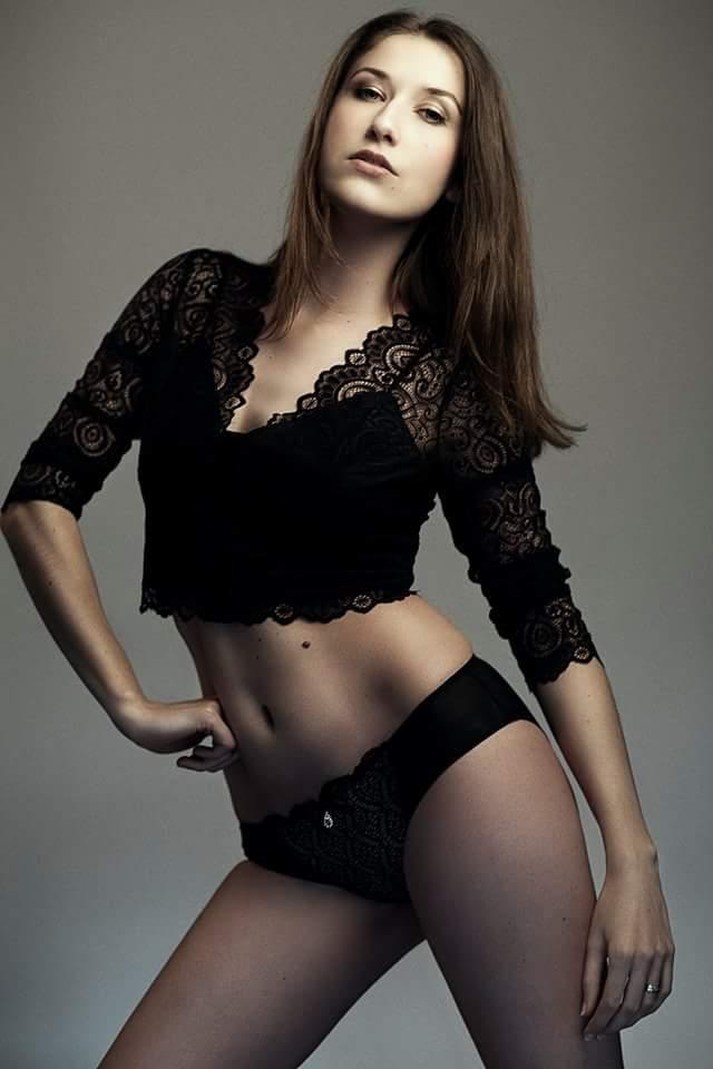 Une autre photo issue du #shooting avec pour vous ? #sexy #model #lingerie #fashion #photoshoot