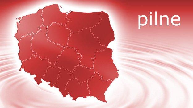 Groźny incydent z udziałem prezydenta Andrzeja Dudy: Na A4 w jego limuzynie pękła opona. https://t.co/SUxVIpin7J https://t.co/314DJwqXB2