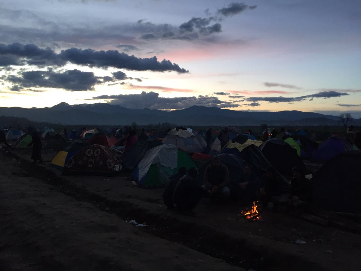 RT @MSF_Sea: LIVE:The sun is setting on yet another day at #Idomeni - 12000 #people in seek of safe futures stuck in the mud. https://t.co/…