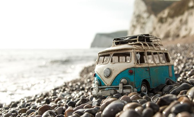 A photo project to brighten up your Friday ;) Traveling Cars Adventures by Kim Leuenberger https://t.co/Nk7gZNiQq0 https://t.co/yqYOwaAXEM