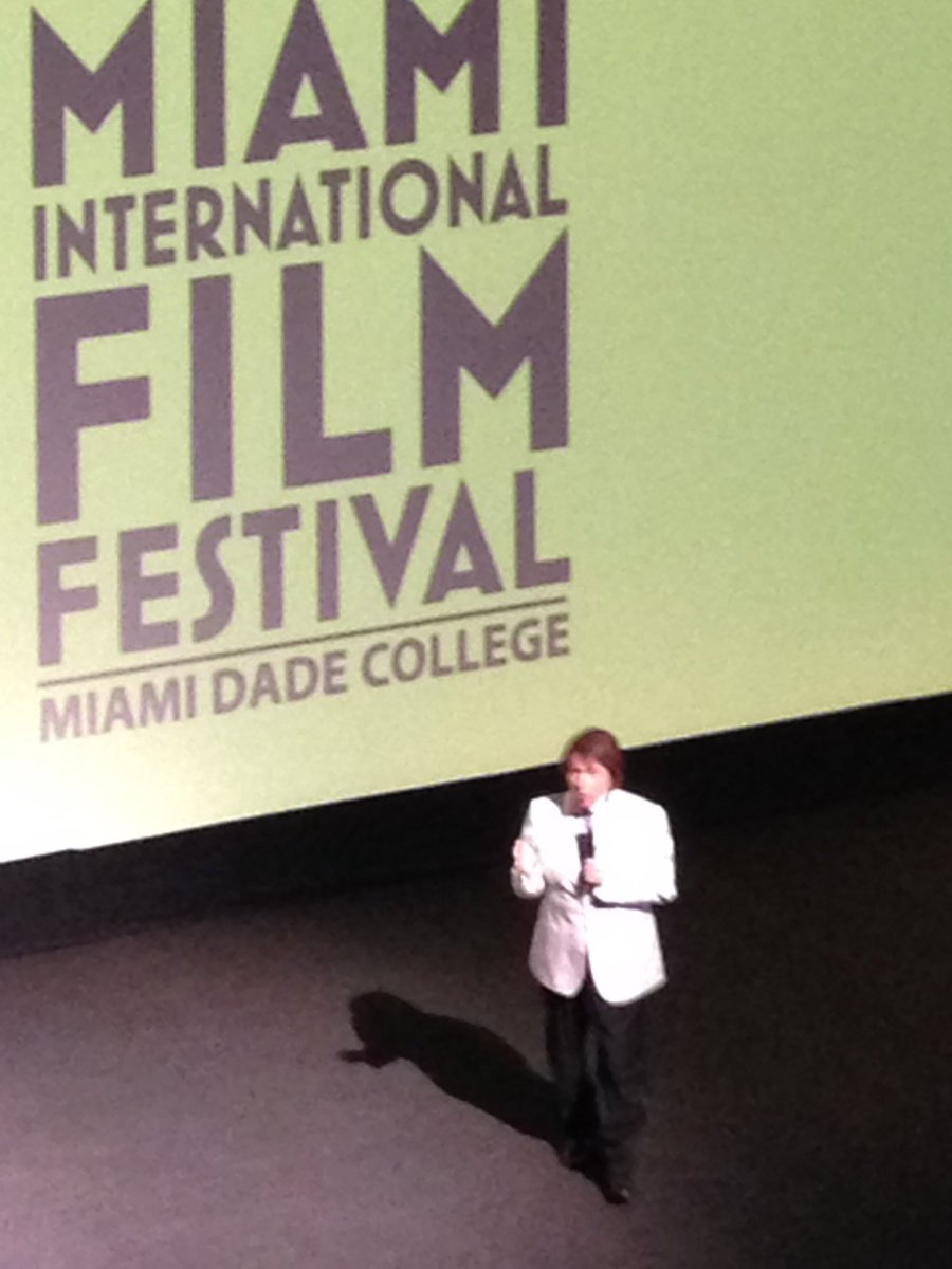 @RAPHAELartista en el estreno de su película en el #MiamiFF un grande https://t.co/hkIeUslvNE