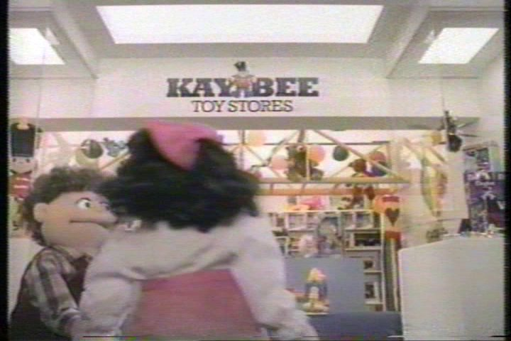 1986 Kay Bee Toy Store ad on an old Nickelodeon recording. I'm sure @PatTheNESpunk is one of the puppets https://t.co/rl5mqWdHft