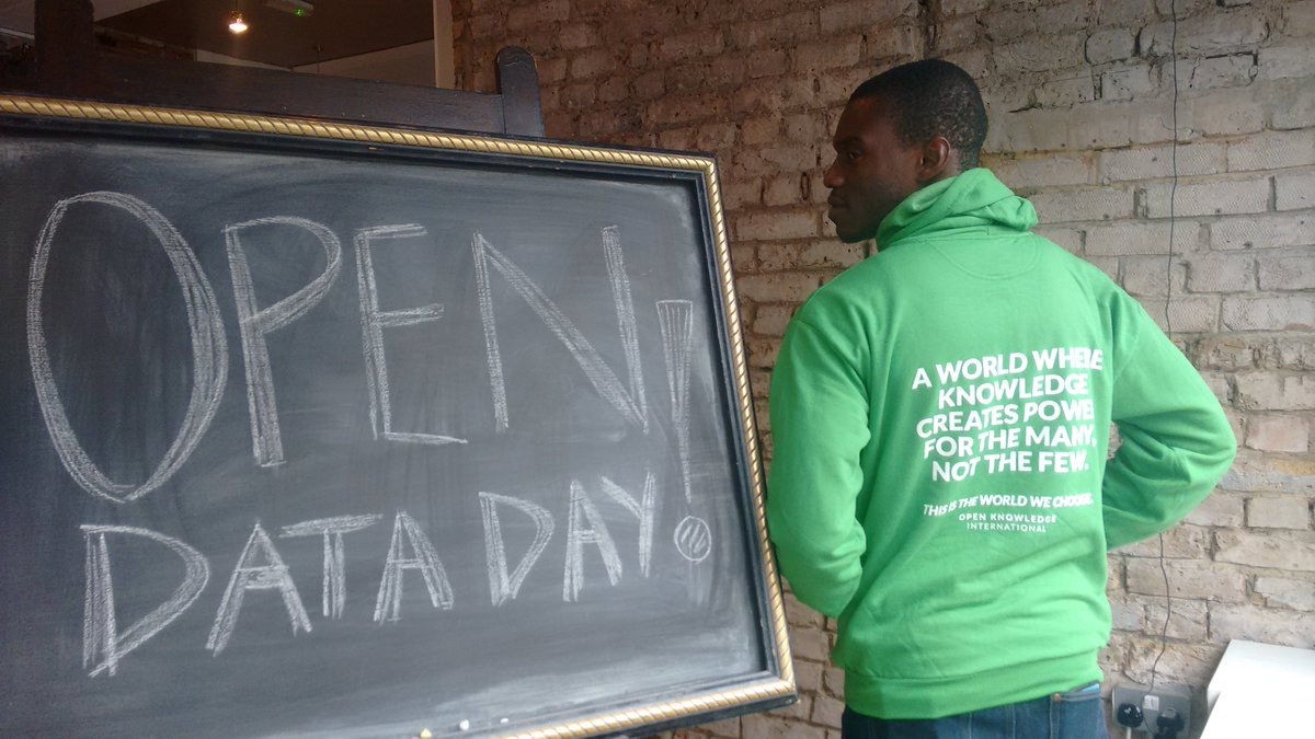 A world where knowledge creates power for the many, not the few. HAPPY International #opendatday @davidoo https://t.co/7rxh4sGtND