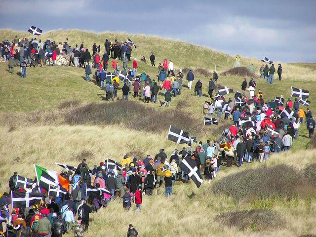 Happy St Piran's Day! Gool Peran Lowen! Nice to see #StPiransDay trending :-) #Kernow #Cornwall https://t.co/TRL6PoxNeY