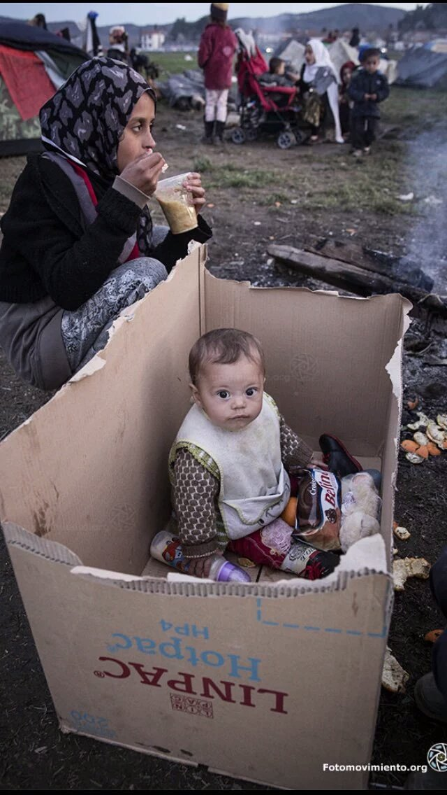 Todos los Derechos Humanos de los Refugiados entran en una sola caja. Idomeni. Europa @Fotomovimiento https://t.co/tArxDJDlBs