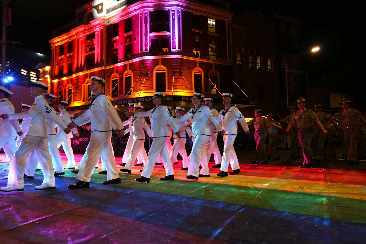 #YourADF participate in the 2016 #SydneyMardiGras parade #ADFpride https://t.co/vpVHo5Omi4