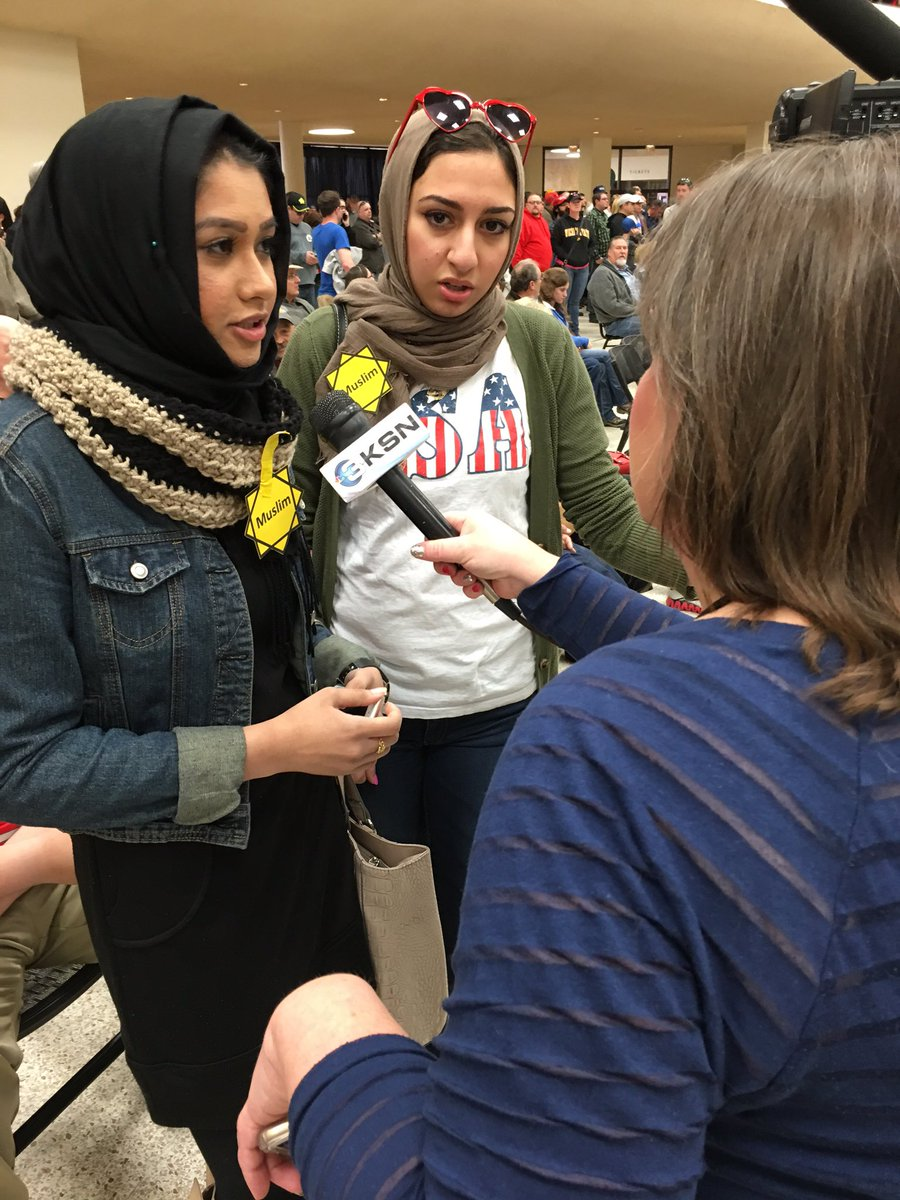 Speaking with young #Muslims at the #trump event https://t.co/96iPXvEG0v