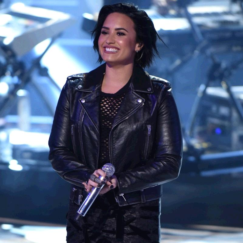 Did you catch @philymack's @DDLovato on American Idol this week? #DemiOnIdol https://t.co/jCkxF95iDv