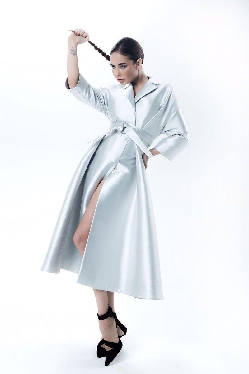 Photo by @yasafronova; Потрясающее пальто @graviteightonline;  Style by @lina_dembikova https://t.co/YCJ782GumC