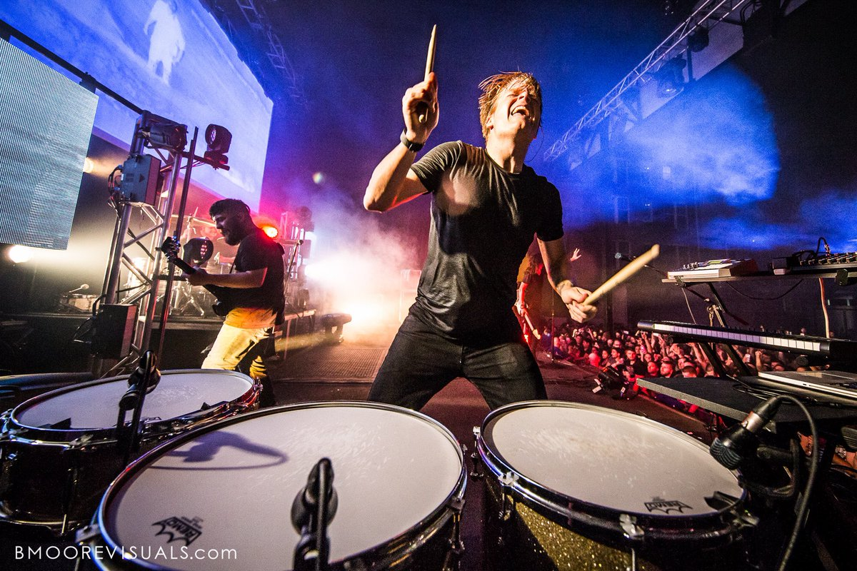 Want to see more @UnderoathBand photos? Check them all out right here - https://t.co/MDQjuSYsr6 https://t.co/53PwORZ5Ah