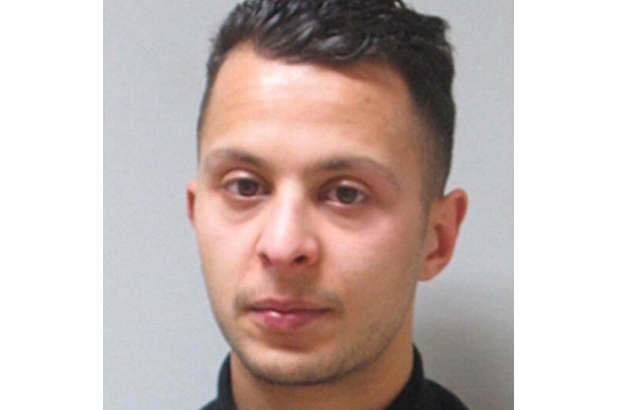 Salah Abdeslam a été arrêté à #Molenbeek. Il est blessé  https://t.co/IBSeGfZDUp https://t.co/XZ1d0gKRqx