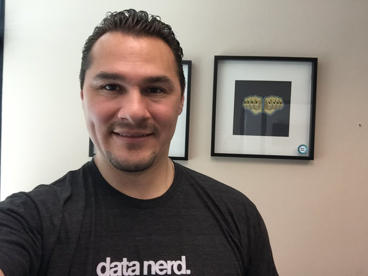 New gear from my friends at @newrelic  #datanerd #nerdlife  #batteriesinaflash Thank you Tommy! https://t.co/wCh4YlzLZM