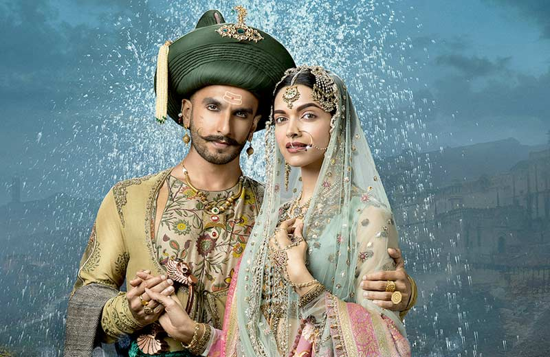 Best Jodi Of The Year award goes to @RanveerOfficial & @deepikapadukone for Bajirao Mastani #TOIFA2016 #EastFMKenya https://t.co/OZCxSO4mfD