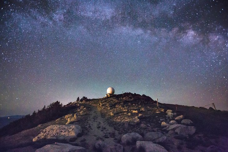 RT @hitRECord: 'JaredHail' captured the galaxy from a mountaintop in Southern Oregon -- https://t.co/M2zTKUjBjn https://t.co/UhoB6Duc9s