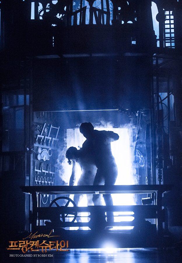 동빅이 만든 괴무리는 누굴까요?ㅎㅎ딱봐도 알겠지만^^#미공개사진대방출 #프랑켄슈타인 #Frankenstein #전동석 #PhotobyRobinkim  #Robinkim https://t.co/ZscyMo3eiQ