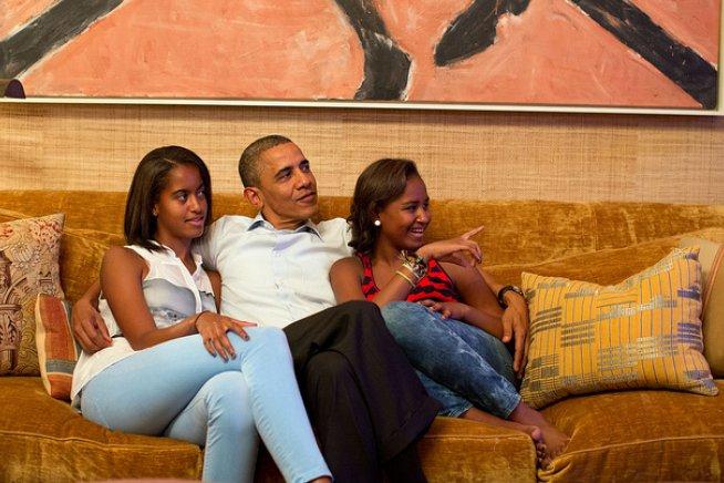"""#Obama: """"Sono stato avvocato, professore, Presidente. Ma il più importante lavoro della mia vita è essere un #papà"""". https://t.co/XDdiByl5LN"""