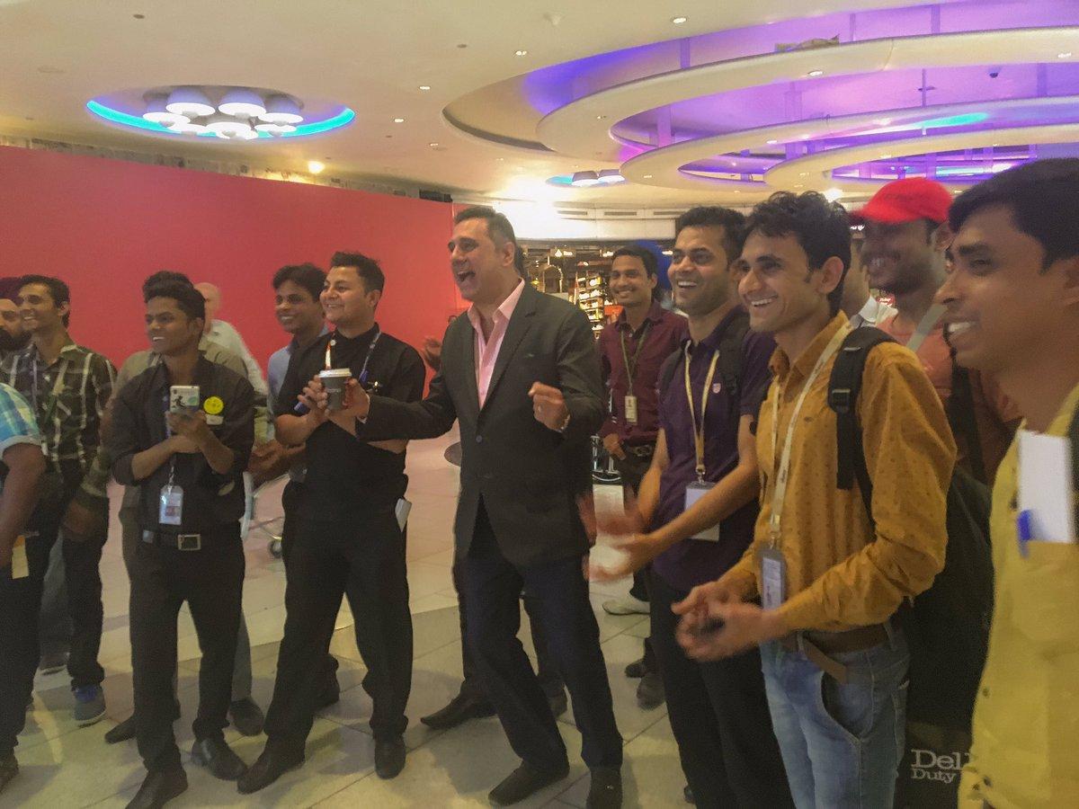 All flights delayed till INDIA wonnnn!!! At delhi airport.  #IndvsPak #T20WorldCup https://t.co/JZl4tUs5tQ