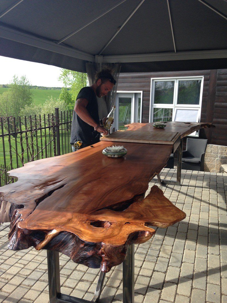 Pierre Luc Dery built this amazing 14' long bookmatched slab table. I want one! #slab #woodworking #wooden #wood https://t.co/q3adXeXTae