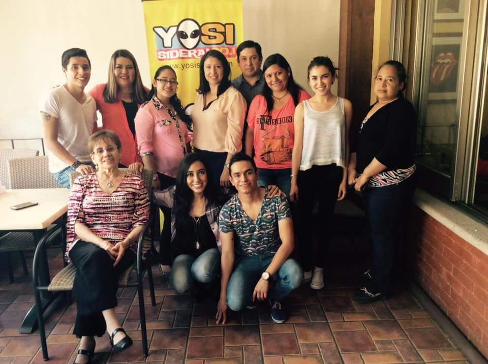 ¡Hoy disfrutamos una alegre convivencia con los ganadores de @YosiSideral, gracias al patrocinio de @_CarlosRivera! https://t.co/uoxfQvWCuS
