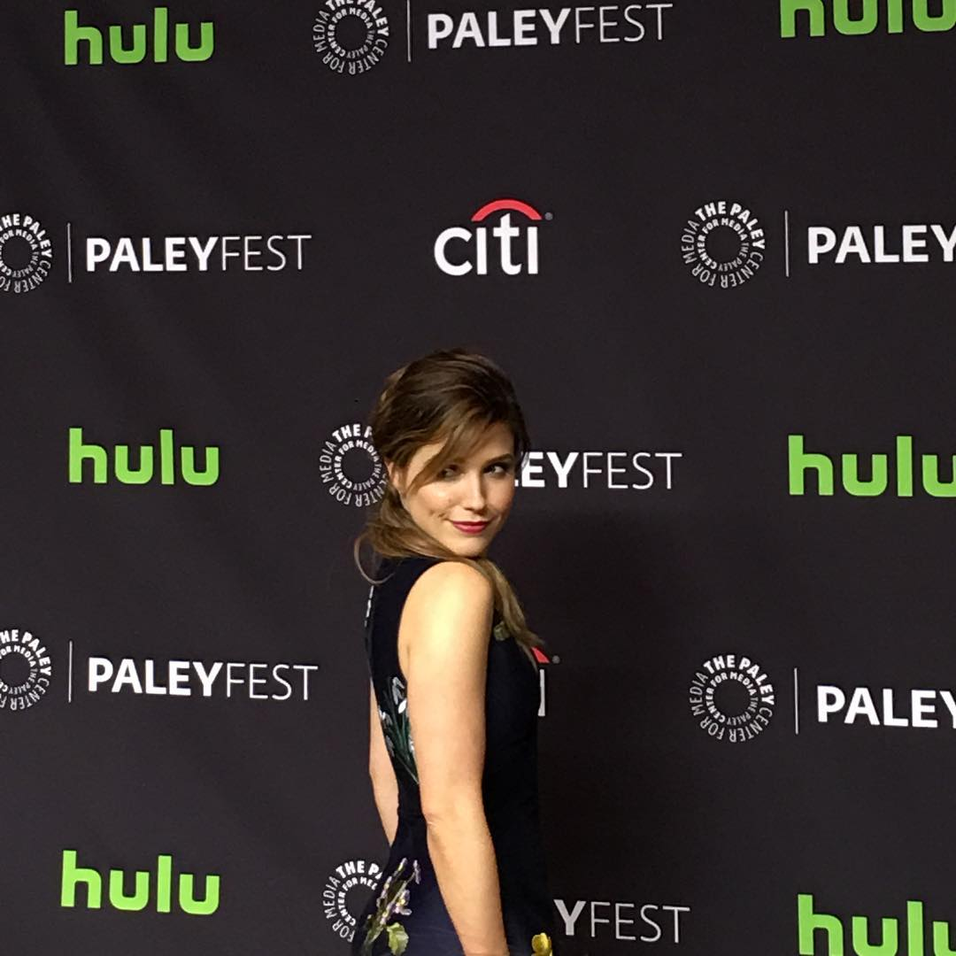 The Queen has arrived. Sophia Bush working the cameras at #PaleyFest #ChicagoPD https://t.co/E0OvSNqiMw
