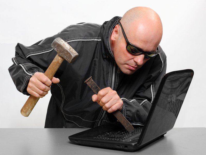 The Funniest Hacker Stock Photos 2.0 - more of the most ridiculous ones I've found: https://t.co/w9xoRhjixy https://t.co/tnkeehwrq6