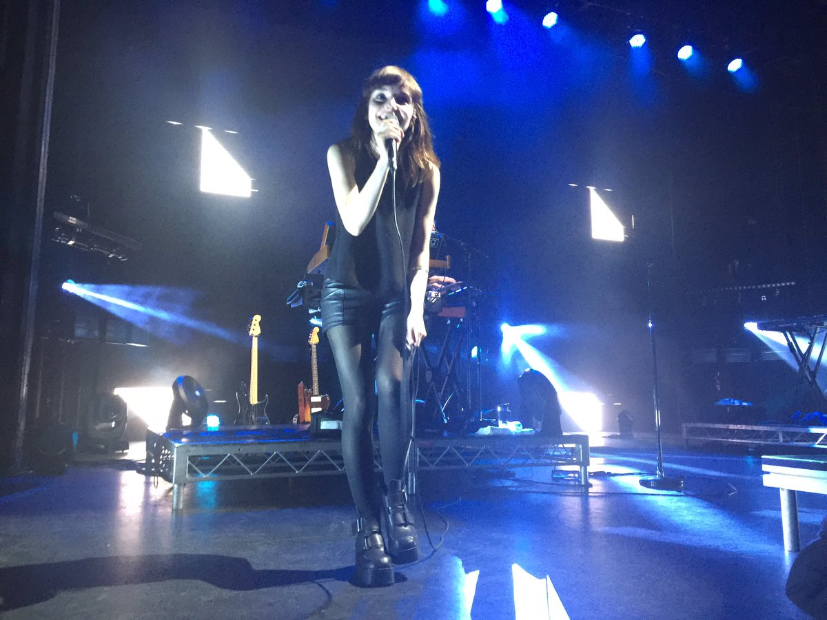 These are prob my favourite photos from Sydney's @CHVRCHES show. Esp the second. https://t.co/4gv2TmAmQt