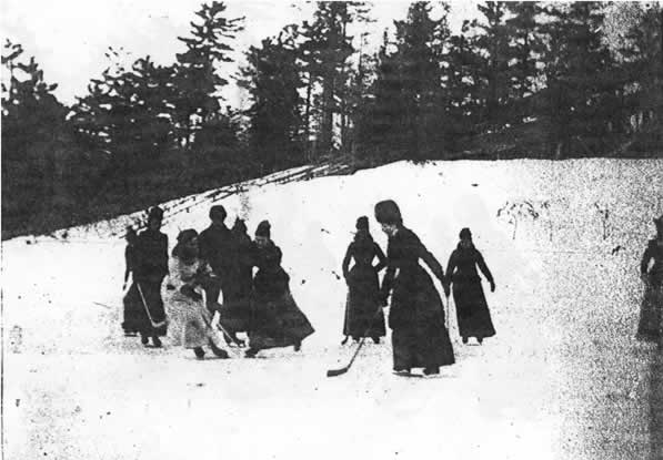 Isobel Stanley is the player in white; believed to be the earliest recorded image of women playing hockey (1890) https://t.co/POEOSAzYpx