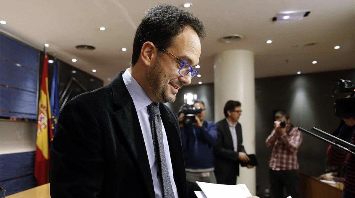 El PSOE canvia de criteri i vol sumar el PP a la negociació d'investidura https://t.co/ru52R64iGD https://t.co/6TiJpp618U