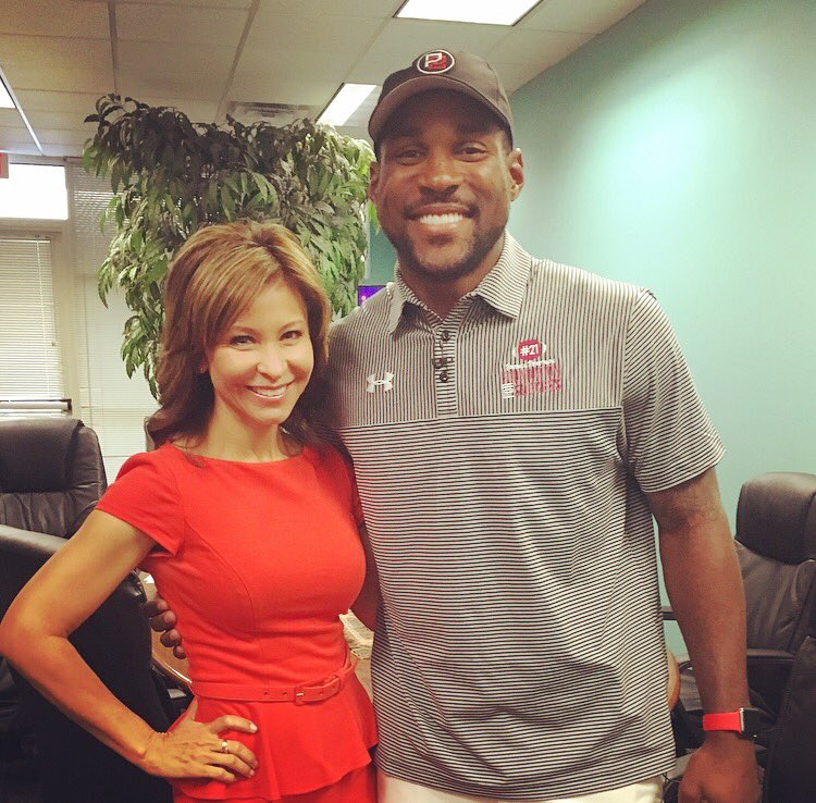 @RealPeterson21 thank u 4 visiting @morningscramble & 4 all u do w/@AZCardinals & our community youth!