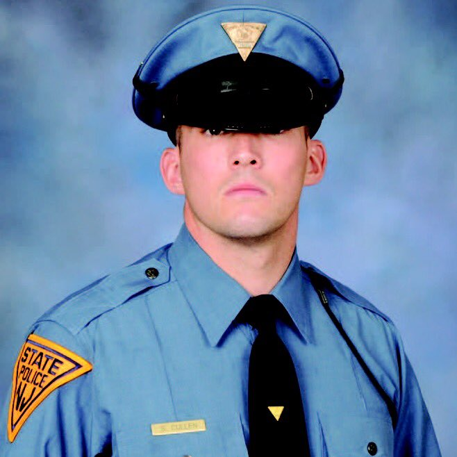 Trooper Sean Cullen #7594. End of watch: March 8, 2016. Godspeed brother. #RIP #GoneButNeverForgotten #Hero https://t.co/IrfpcFsKYZ