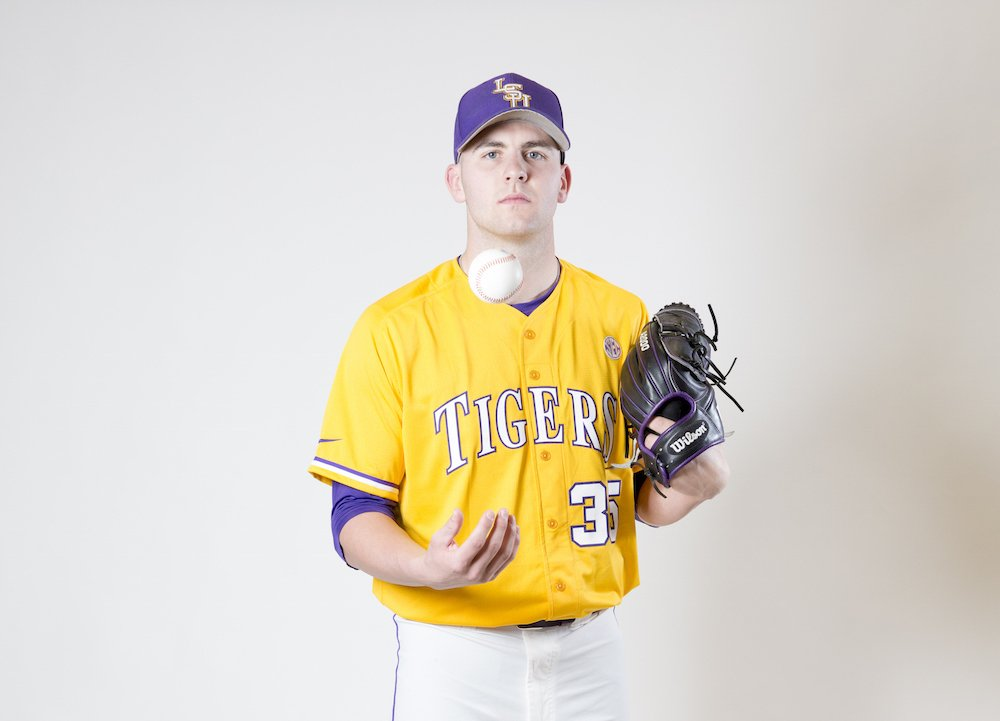 Alex Lange stunned the college baseball world by going 12-0 as a freshman. https://t.co/wUT0OLRR6e https://t.co/YHbdN3Pb04