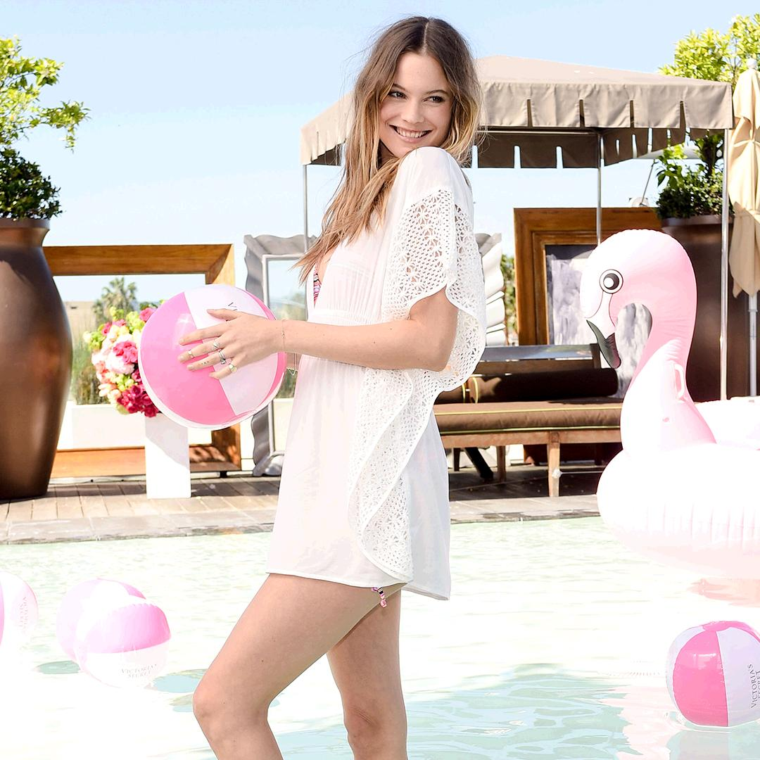 Pool party at @SLSBeverlyHills = how @BeePrinsloo gets pumped for the #VSSwimSpecial. TOMORROW, 9/8c on @CBS! https://t.co/HXOvbFjHWb