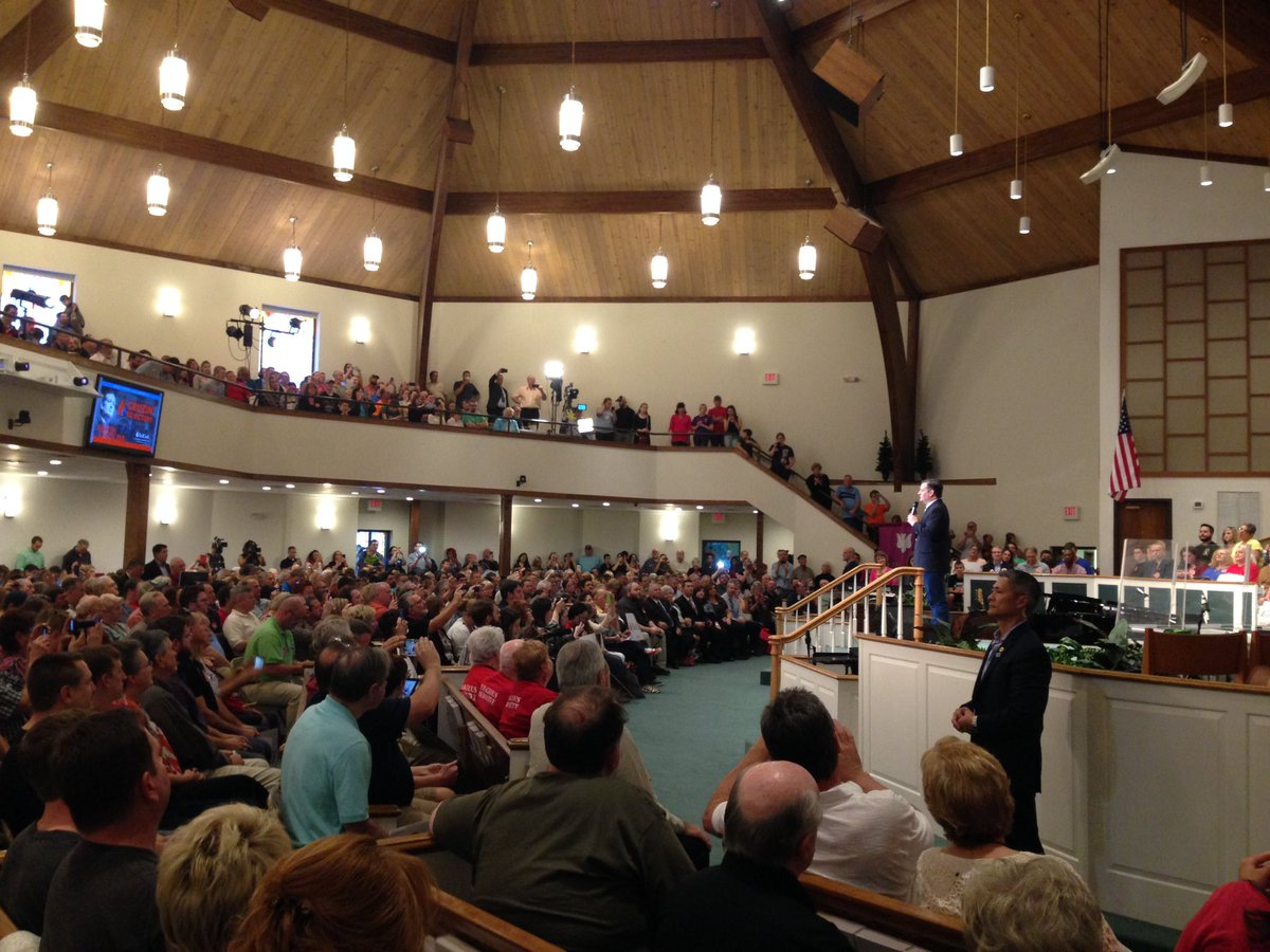 @tedcruz takes the stage at Central Baptist Church in Kannapolis, NC. #fnr https://t.co/PoNEHEAaCO